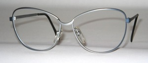 Lightweight, larger stainless steel women's frame