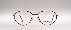A sturdy, timeless ladies metal frame from TERRY BROGAN, Design Austria