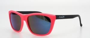 Sporty cool sunglasses of the 90s in trendy colors