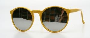 Eine poppige panto Sonnenbrille, unisex