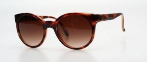 Eine klassisch elegante panto Sonnenbrille