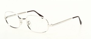 A classic, almost oval frame made of genuine rhodium plating