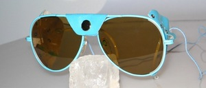 Light blue pilot glacier glasses with light blue side and nose leather u