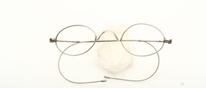 Original old, classic nickel nickel Schubert glasses with W-bridge and long, fine iron bars