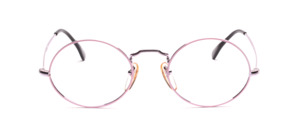 Timeless classic oval frame in silver with pink glass rim