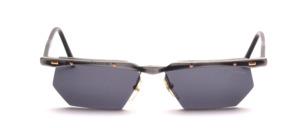 Eine hochwertige, halb randlose Aluminium Sonnenbrille