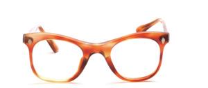 Eine sehr schöne Acetat Brillenfassung mit Rautenförmigen Ziernieten