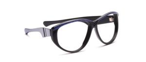 Große, dominante Damenfassung in Schwarz mit blauer Marmorierung oberhalb der Gläser und Bügeln