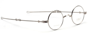 Round W-bridge Frame in silver with adjustable temples