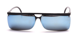 Sporty and lightweight, semi-rimless sunglasses