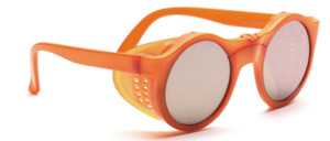 Poppy round nylon sunglasses in a sporty look with side protection and screwed frame