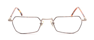 Metal frame in matt silver with a brown patterned glass rim and with brown-plated temples