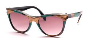 Leicht und angenehm zu tragende Schmetterlings Sonnenbrille aus den 80er Jahren