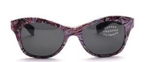 Sehr hübsche  Sonnenbrille mit Paisley Muster in Schmetterlingsform