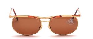 Edle, elegante Metall Design Sonnenbrille mit einem hübsch geschwungenen Oberbalken