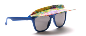 Children's sunglasses in blue with a fold-up, colorful sunroof