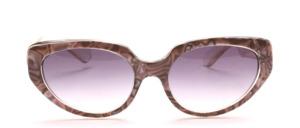 Butterfly Sonnenbrille aus den 80er Jahren in Transparent mit einer Perlmutt Grau gemusterten Oberfläche am Mittelteil