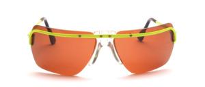 Sportliche Sonnenbrille aus den 80er Jahren mit einem Neon Gelben Oberrand und Bügeln aus Metall