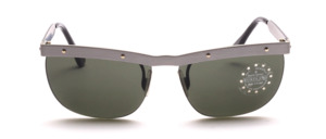 Sunglasses with matt gray metal top beams and black metal temples