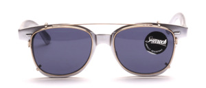 Retro 60er Jahre Brillenfassung in Silber lackiert mit einem grau verglasten Sonnenclip in Silber