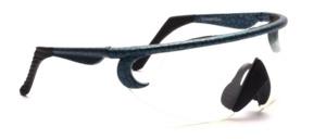 Rad und Sport Sonnenbrille mit Blau-Schwarz gemustertem Rand und transparenter Scheibe